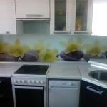Проект 20.10.15 Кухня Дождь МДФ пластик, белый верх, черный низ (4)